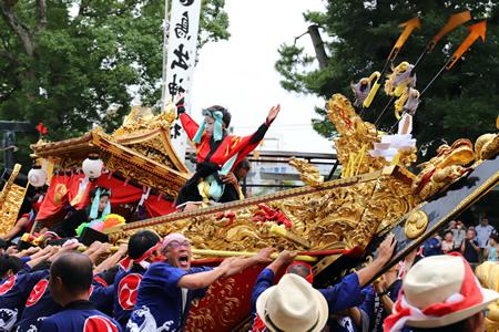 鳥出神社の鯨船